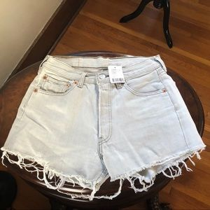 UO Urban Renewal Vintage Levi's Denim Shorts XS